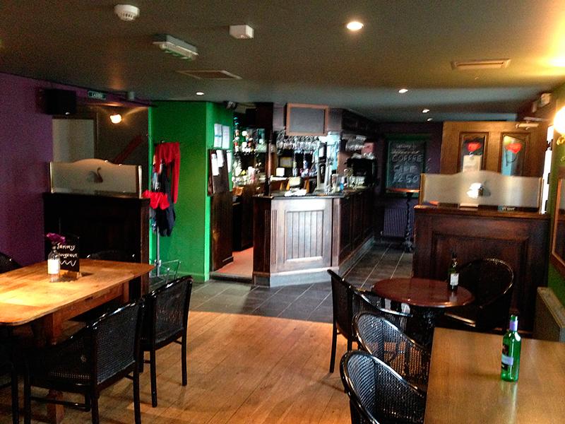 Swan inn 1 quarry road david allison company for Cuisine kitchen lennoxtown